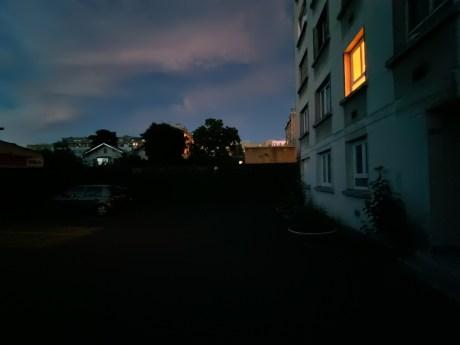 Vivo V21 de nuit (10)