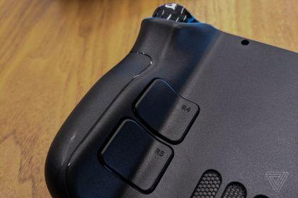 Les boutons à l'arrière // Source : The Verge