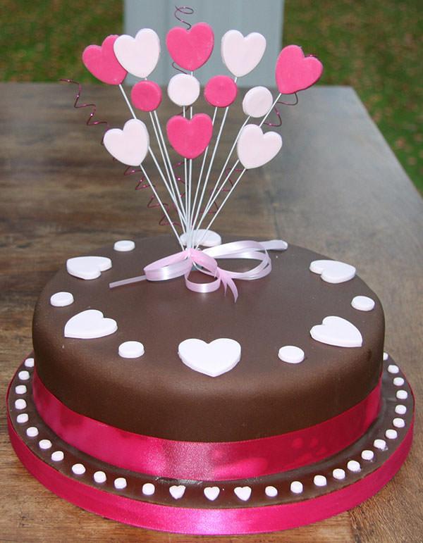 10 Creative Birthday Cake Designs