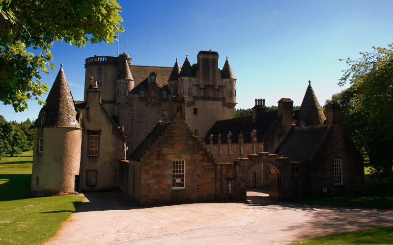 HD Castle Fraser Wallpaper Download Free 122644
