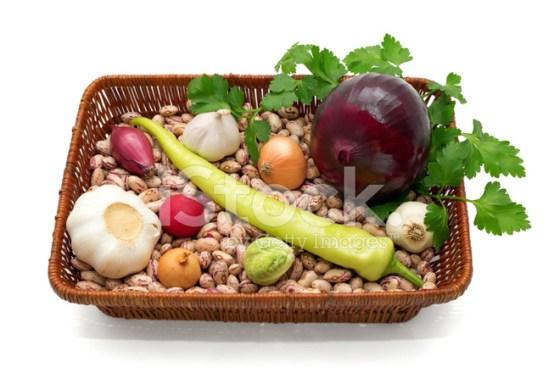 Fasola, cebula, czosnek, zielona papryka, rzodkiewka, kapusta i p