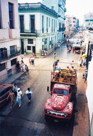 Carro de descarga en la Habana, Cuba