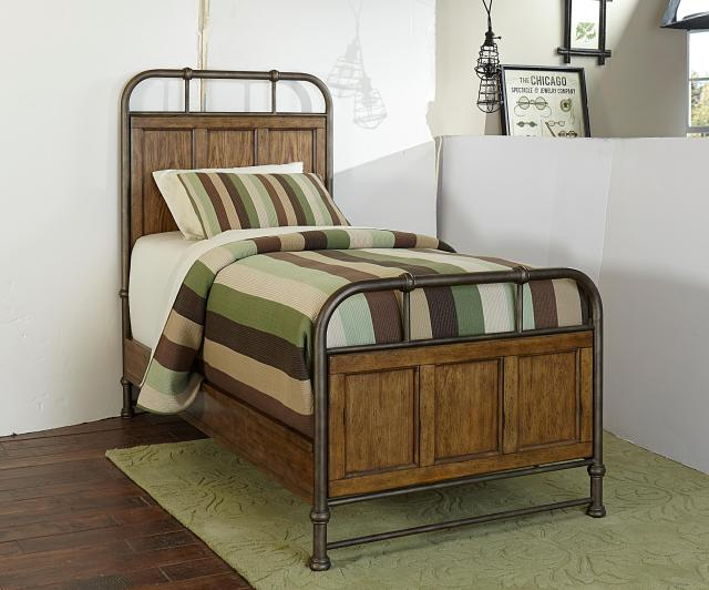 Broyhill Furniture New Vintage King Panel Bed with Frame Moldings