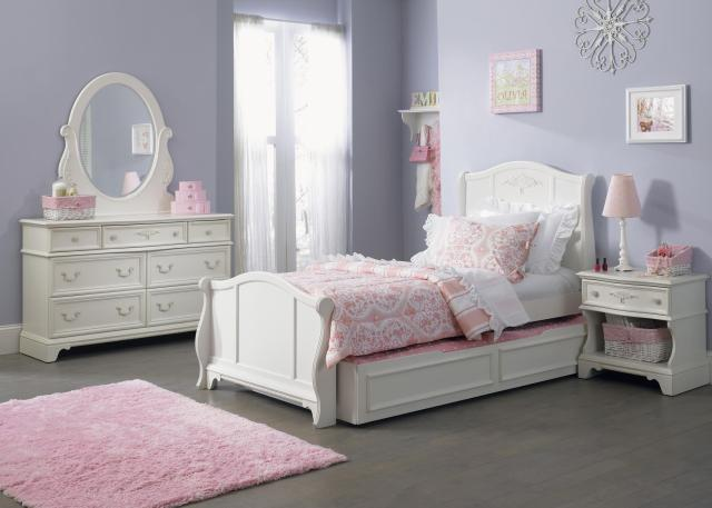 Liberty Furniture Arielle Youth Bedroom 7 Drawer Dresser with Felt