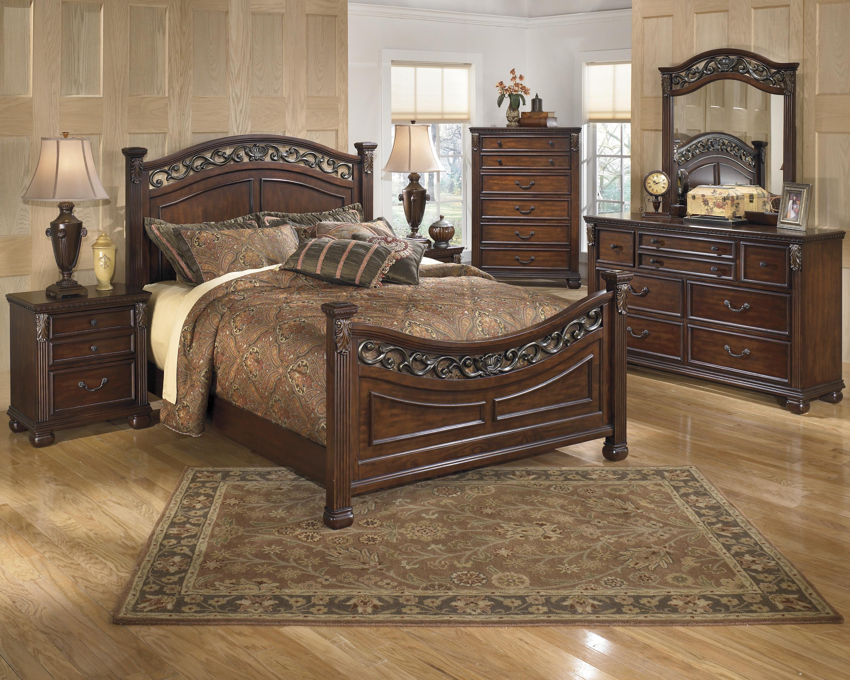 leahlyn california king bedroom group