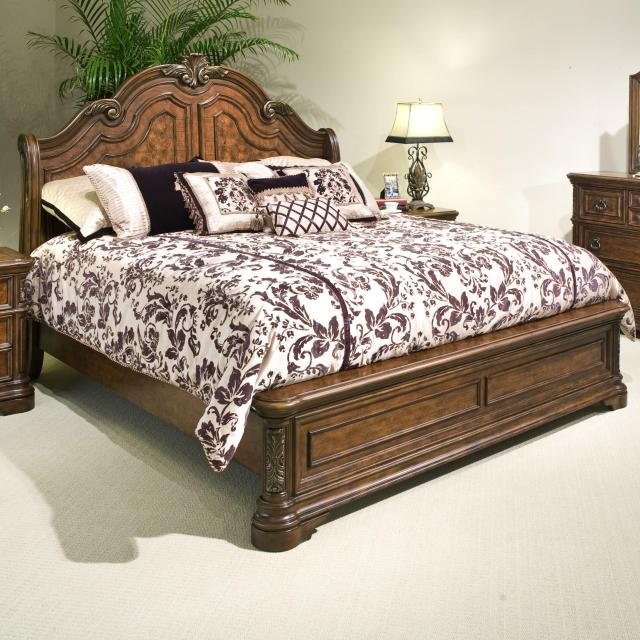 Vaughan Furniture Romantic Dreams Queen Sleigh Bed with Applied