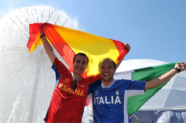 Italia-Spagna le foto dei tifosi