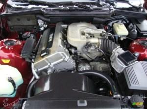 1994 BMW 3 Series 318i Sedan 18 Liter DOHC 16Valve 4