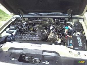 2000 Ford Explorer XLS 4x4 40 Liter OHV 12Valve V6