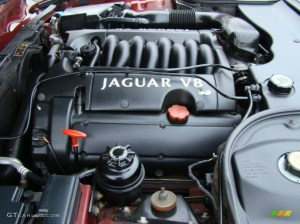 2000 Jaguar XJ XJ8 40 Liter DOHC 32Valve V8 Engine Photo