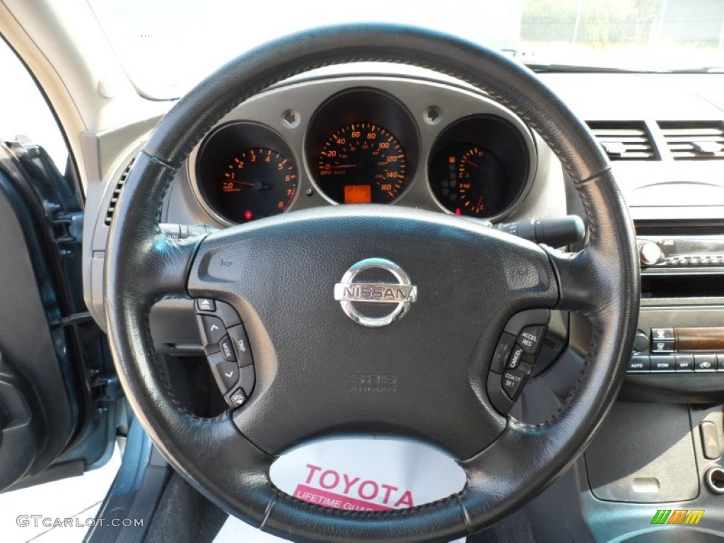 2002 Nissan Altima 35 SE Steering Wheel Photos