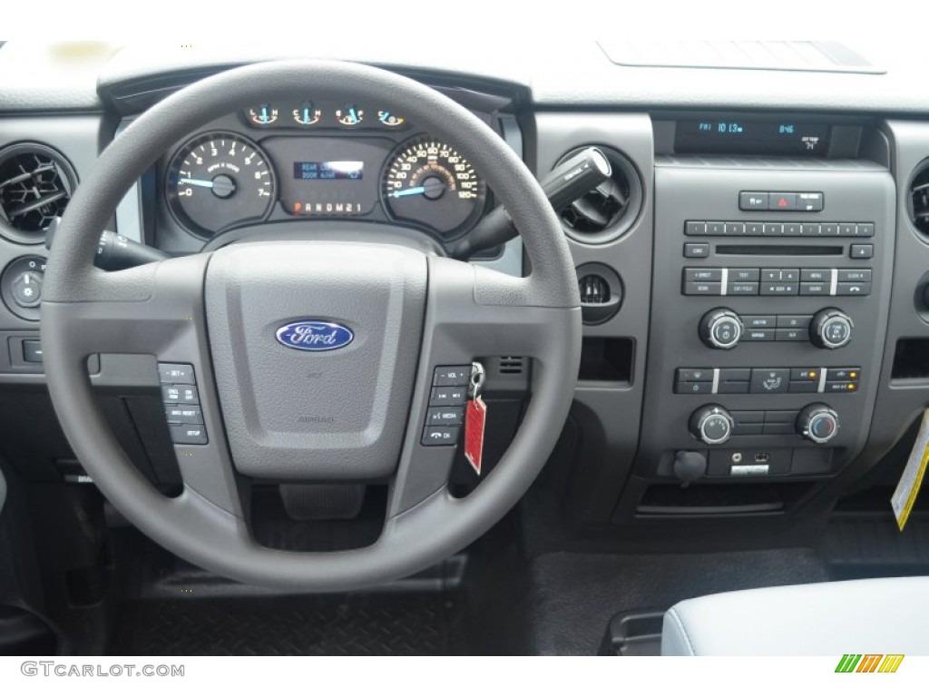 2013 Ford F150 XL SuperCab Dashboard Photos