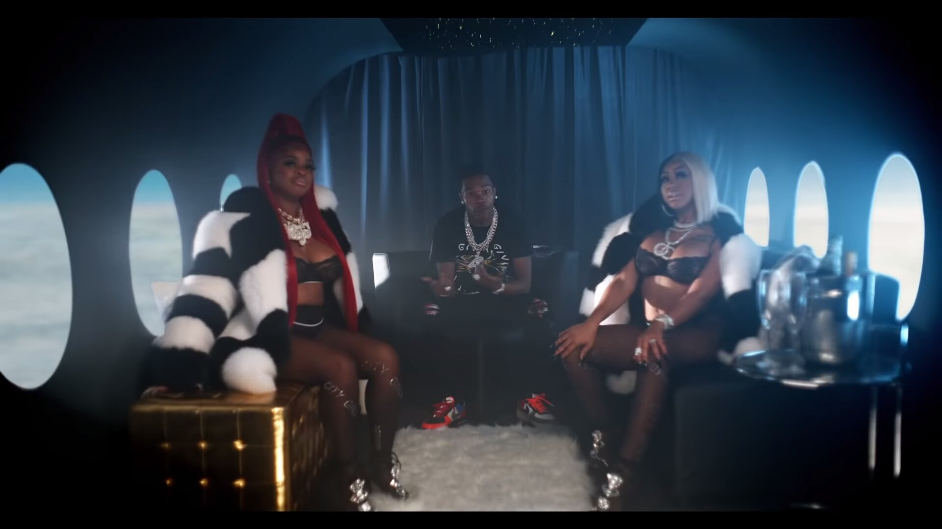 City Girls – Flewed Out (Alternative Video) ft. Lil Baby