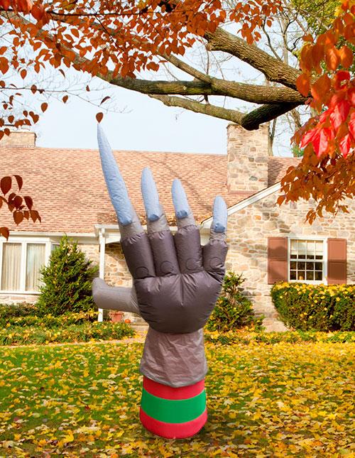 halloween yard inflatables