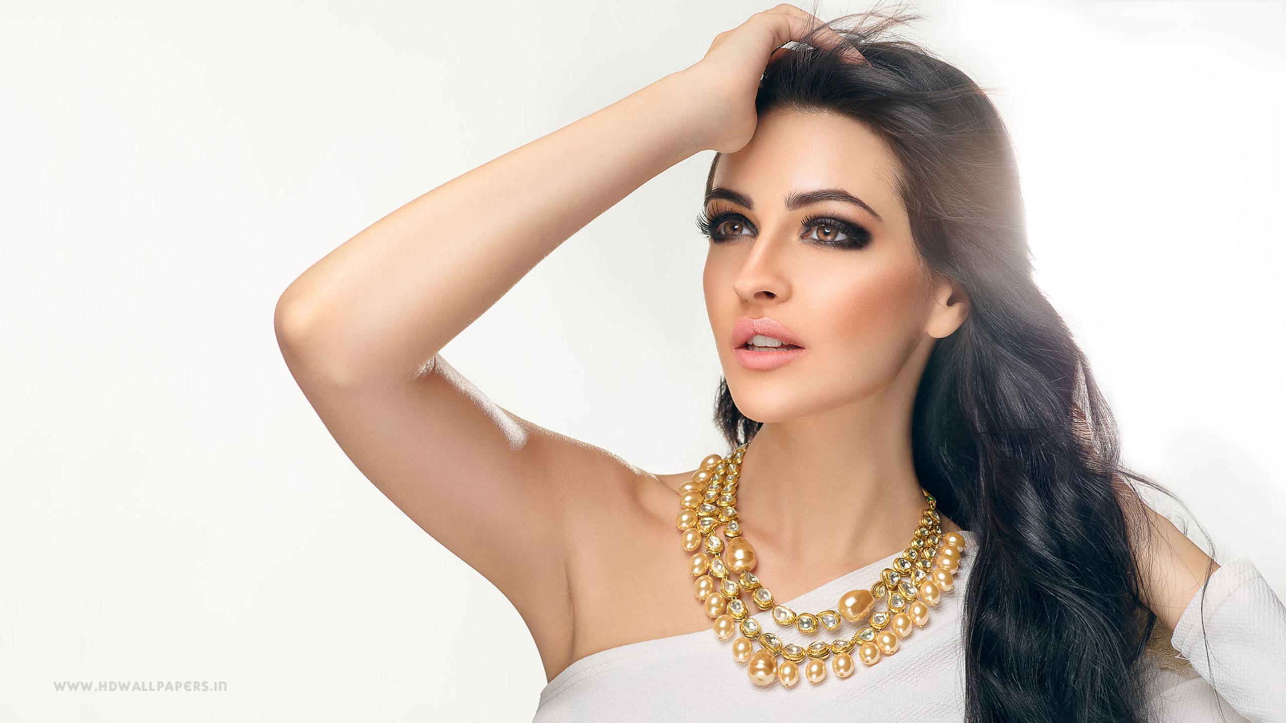 Bollywood Hot Actress Rakhi Sawanth Latest Pics in Pink