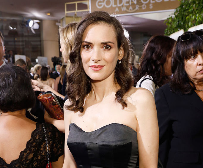 """Winona Ryder is perfectly channeling """"Beetlejuice's"""" Lydia Deetz at the Golden Globes"""