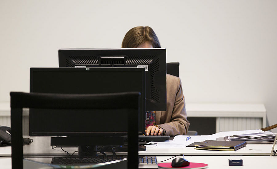 Office Masturbation Breaks Could Make Us Work Harder According To Some Psychologists