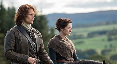 """""""Outlander"""" won Favorite TV Show at The People's Choice Awards, because steamy romance is alive and well"""