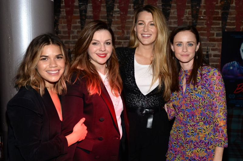 """Everything is on fire, but take comfort in the fact that the ladies of the """"Sisterhood of the Traveling Pants"""" are still BFFs"""