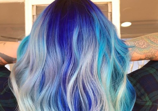 This Woman Tried To Give Herself Unicorn Hair At Home And