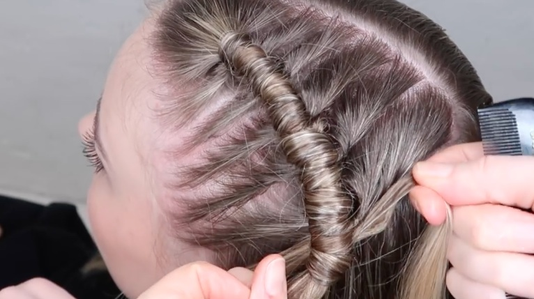 The Pipe Braid Is Taking Over Coachella And We Love It