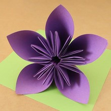 How to craft the origami flower   Hellokids com The origami flower