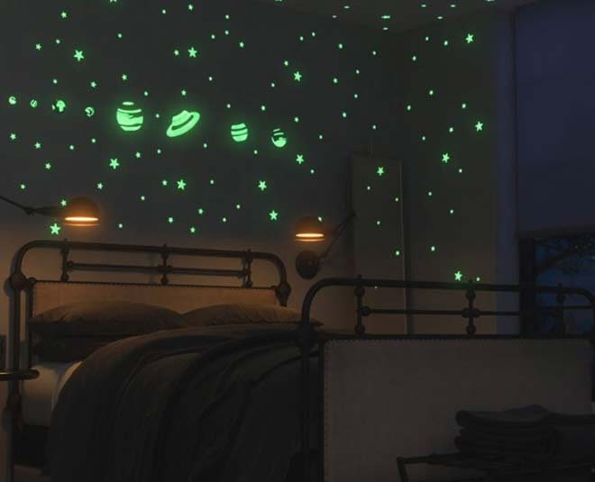 set up a space themed bedroom using