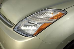 HighIntensity Headlight Horrors Perplex Prius Owners