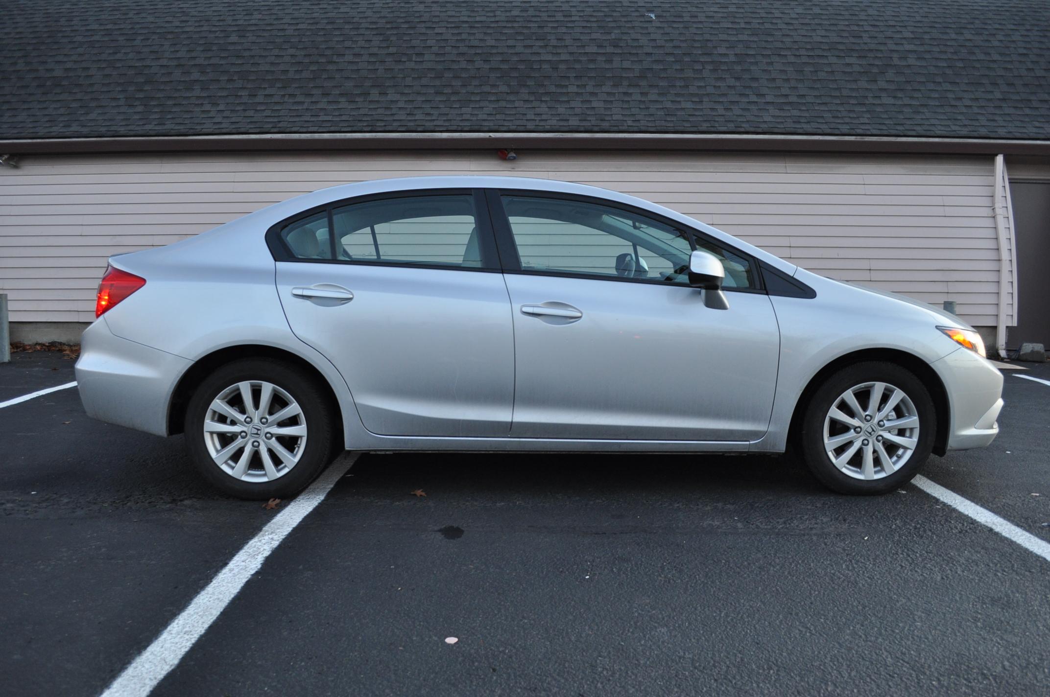 2012 Honda Civic Vs 2012 Toyota Corolla Compact Comparo