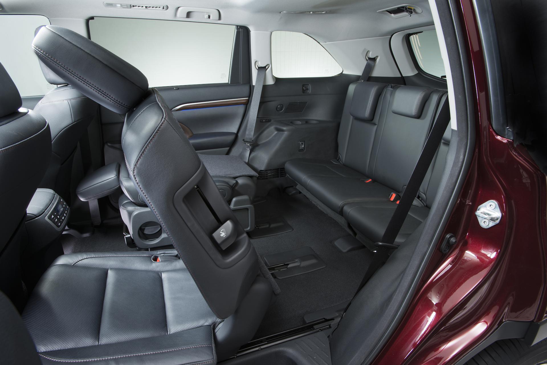 Audi 2014 Q7 Touareg Vs