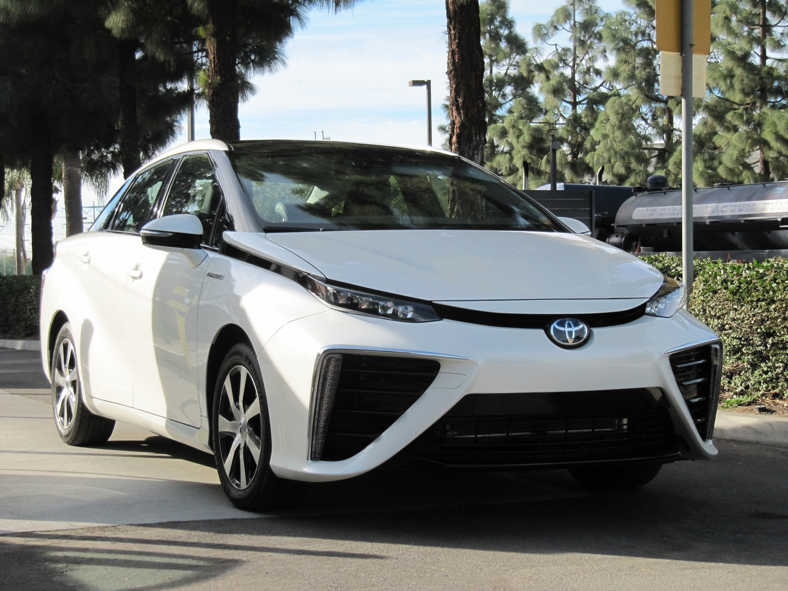How Much Money Does The 2016 Toyota Mirai Lose A Lot Perhaps