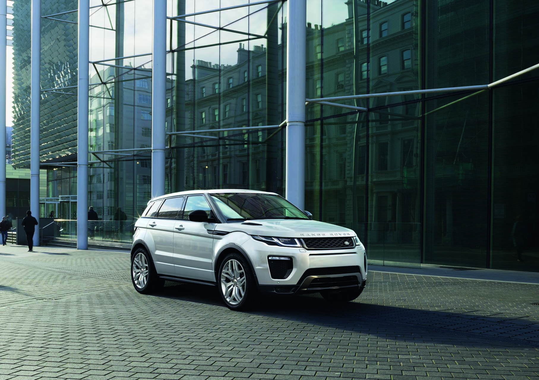 2018 Land Rover Range Rover Evoque Safety Review and Crash Test