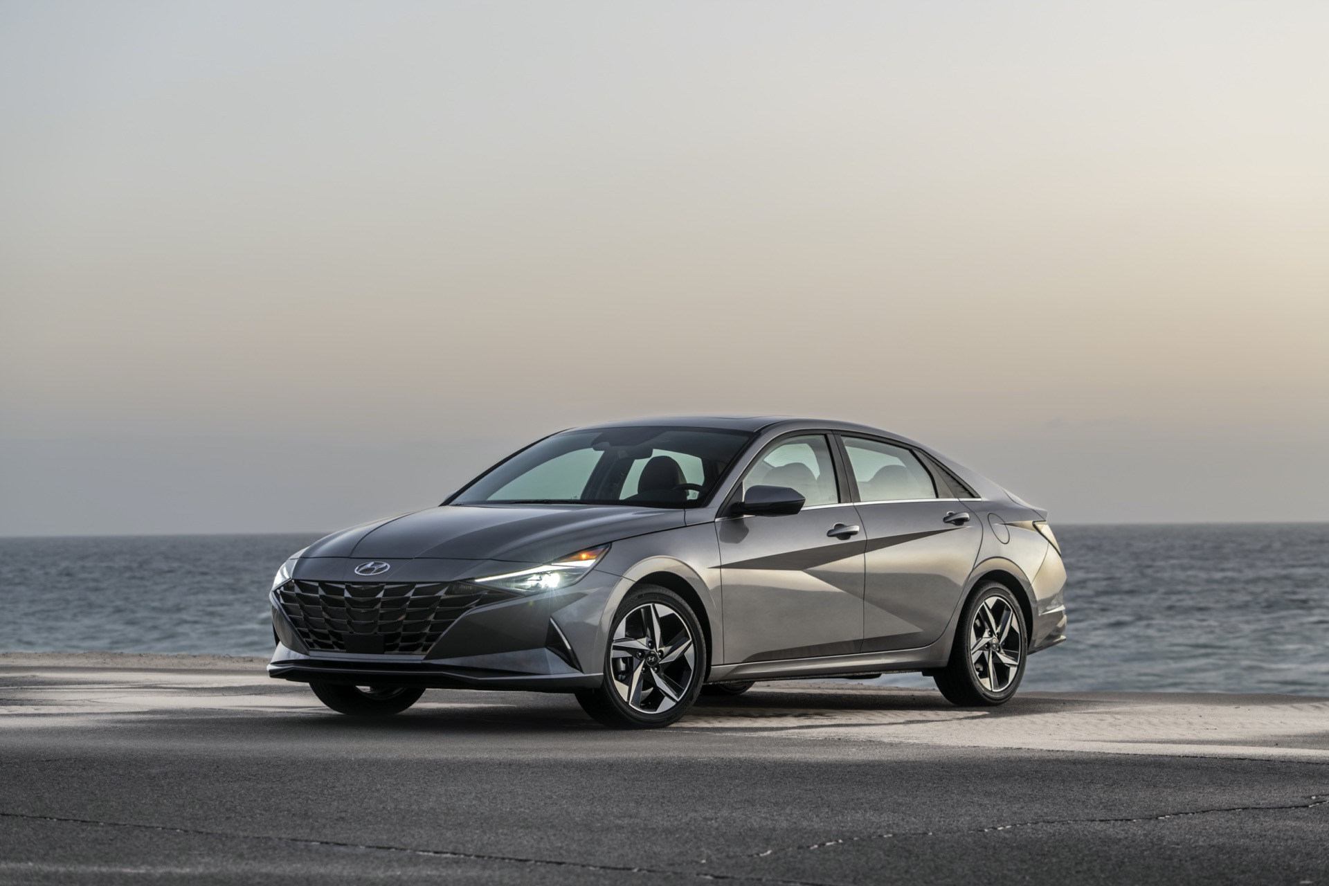 When to expect september 2021. Hyundai Elantra Hybrid Best Economy Car To Buy 2021