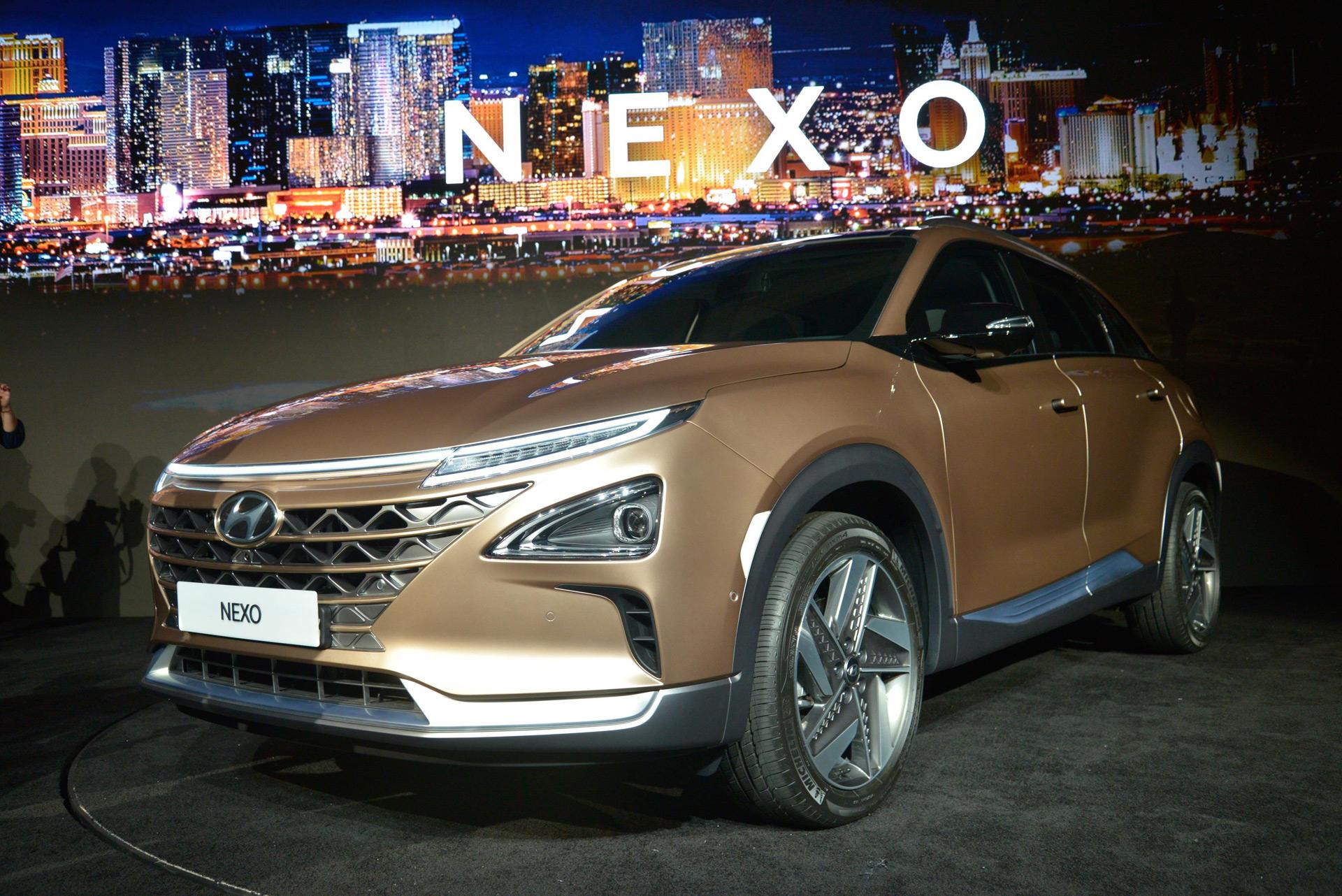 Hyundai Reveals Nexo Fuel Cell Powered SUV At 2018 CES