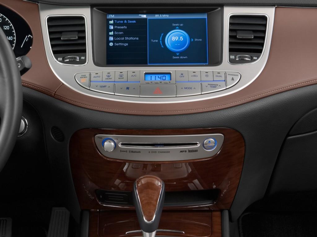 Image 2011 Hyundai Genesis 4 Door Sedan V8 Instrument