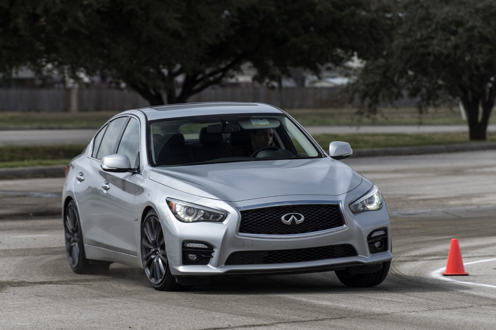 0 Sport Q50 Red 60