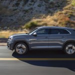 2020 Volkswagen Atlas Cross Sport Reveal 2021 Toyota Rav4 Gets Plugged In Off Roading With Trucks In Muck What S New The Car Connection