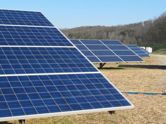 campo de la energía solar fotovoltaica en la planta de Volkswagen en Chattanooga, Tennessee