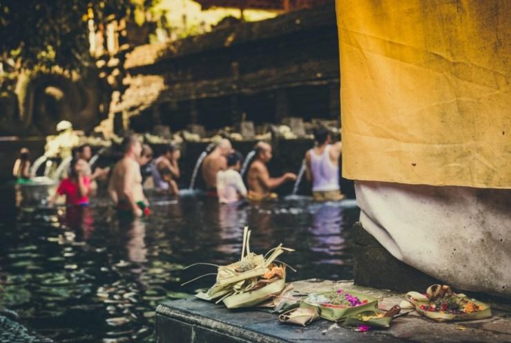 फाल्गुन के महीने की शिवरात्रि को महाशिवरात्रि कहा जाता है.