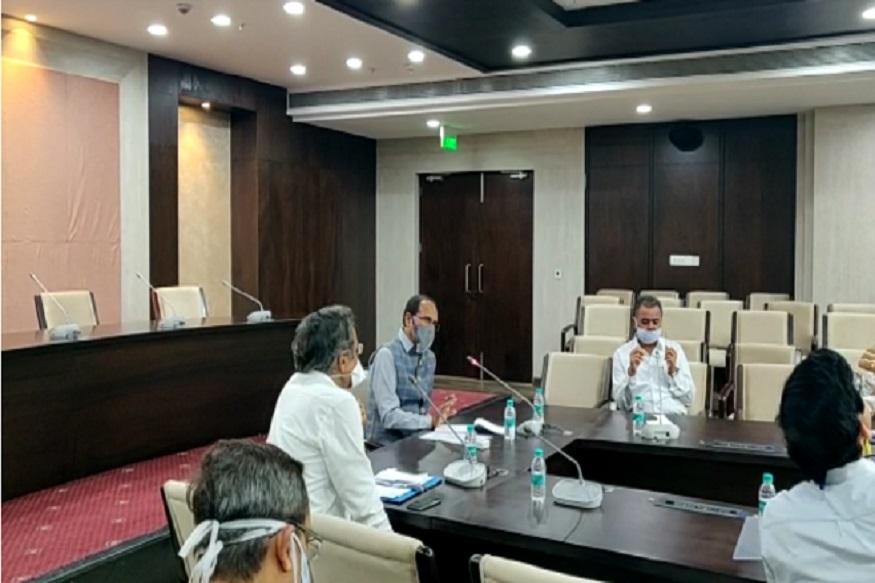 कोरोना के खिलाफ लड़ाई में सरकार का फोकस इंदौर पर