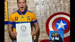 The image shows Ramiro Alanis with the Guinness World Records certificate.(Twitter/@agalanis17)