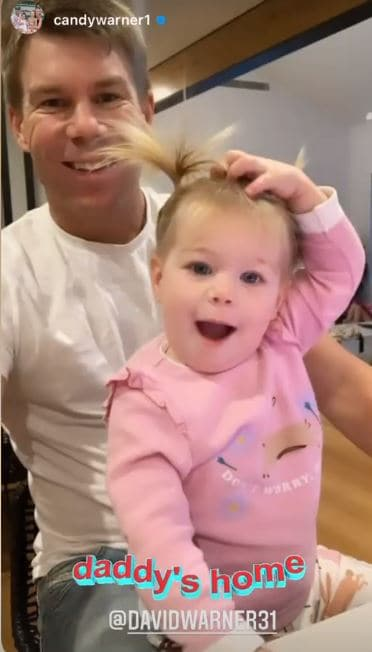 Warner shares his picture with his daughter(Instagram / David Warner)