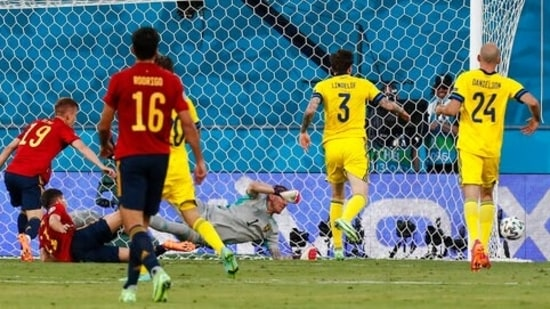 The story of the first half was pretty much the same.  Spain attacked and attacked but failed to score.  One of the best chances came from a Dani Olmo header, which was saved by Sweden goalkeeper Robin Olsen. (AP)