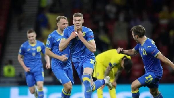 Euro 2020 Highlights, Sweden vs Ukraine: Dovbyk's last-gasp header helps  Ukraine qualify for quarters with 2-1 win   Hindustan Times