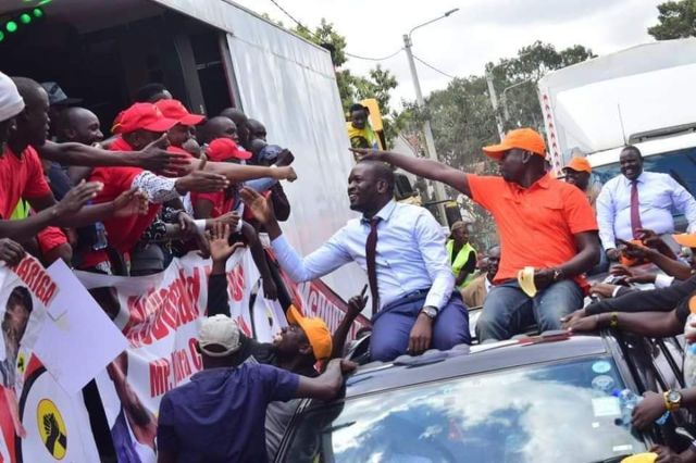 Image result for Jubilee supporters meet ODM supports in Kibra