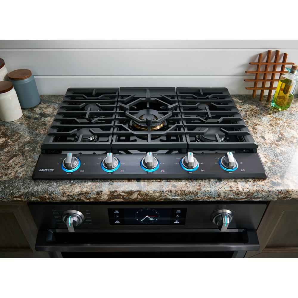 Samsung 30 In Gas Cooktop In Fingerprint Resistant Black Stainless With 5 Burners Including Dual Brass Power Burner With Na30n7755tg The Home Depot
