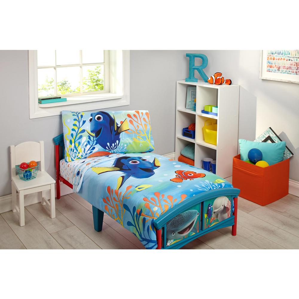 disney finding dory ocean blue yellow orange 4 piece toddler bedding set with nemo marlin and other friends 7160416 the home depot
