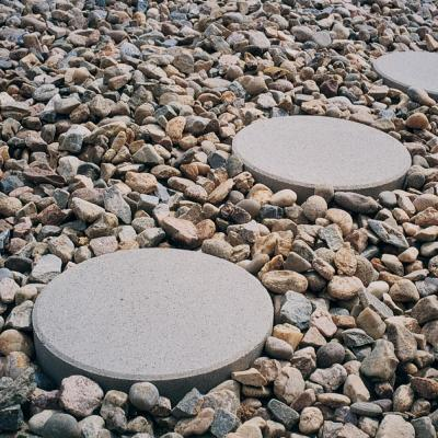24 inch round concrete stepping stones