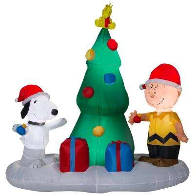 W Pre Lit Led Inflatable Snoopy And Charlie With Christmas Tree Airn