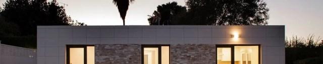 Rumah oleh Casas inHAUS